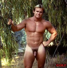 Devlin male fitness model