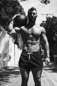 Erik Anderson male fitness model