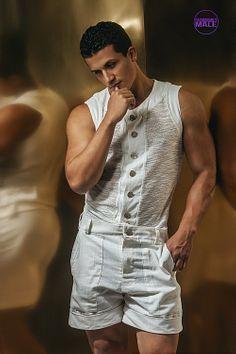Erik Ramos male fitness model