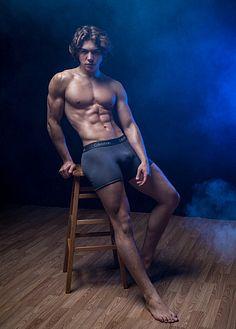 Evan Adams male fitness model