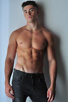 Gianluca male fitness model