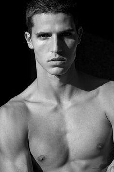 Gleison Alves male fitness model