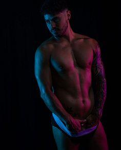 Héctor Arco male fitness model