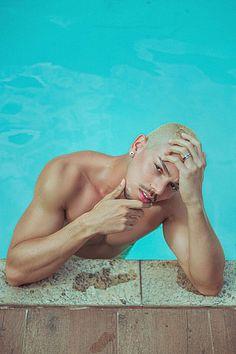 Igor Barcellos male fitness model