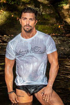 Iñigo Elorriaga male fitness model