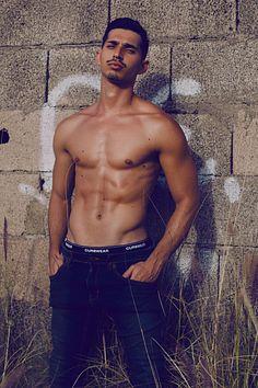Ivan Hernández male fitness model