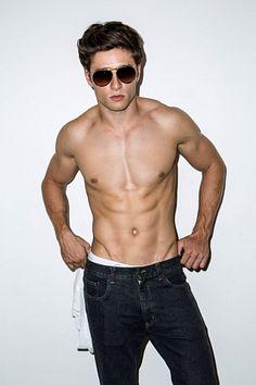 Jarrod Kelly male fitness model