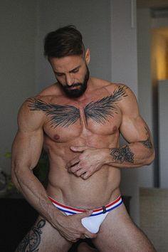 Javier López male fitness model