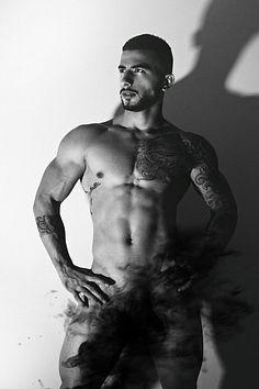 Jonhatan Cardona male fitness model