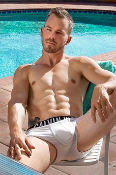 Jordan Dziurman male fitness model