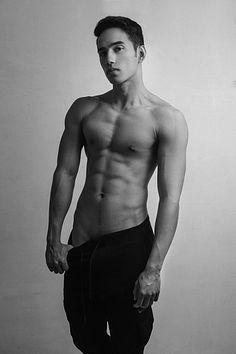 Jorge Villalobos male fitness model