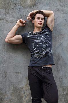 Joshua Rusniak male fitness model