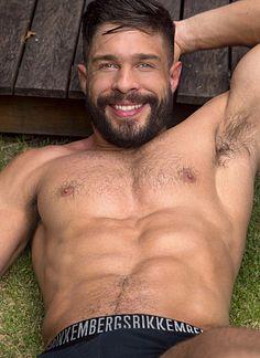 Julian Gil male fitness model