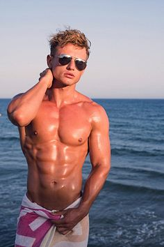 Kevin McCauley male fitness model