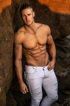 Kuba Sliwinski male fitness model