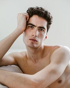 Leo Mendez male fitness model