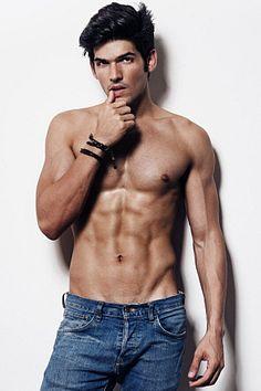 Lucas Fernades male fitness model