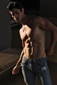 Luis Alberto Montero male fitness model
