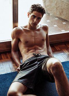 Luis Toledo male fitness model