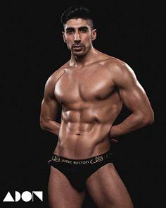 Manuel Nvrro male fitness model