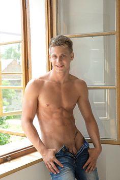 Mark Sullivan male fitness model