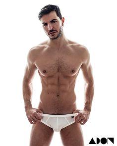 Martin Ivanonv male fitness model