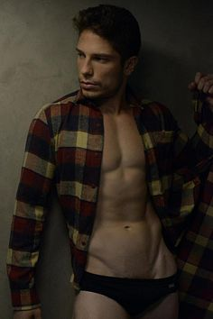 Matheus Bonora male fitness model