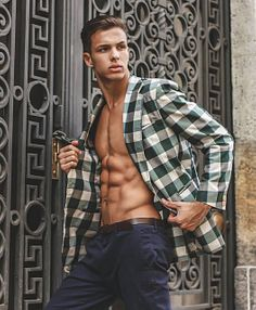 Matheus Fajardo male fitness model