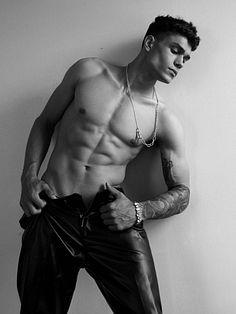 Matthew Laureano male fitness model