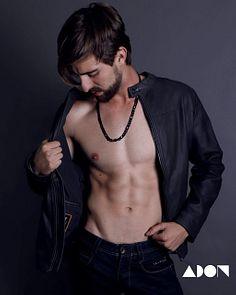 Mauricio González male fitness model