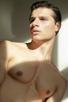 Max Nixberg male fitness model