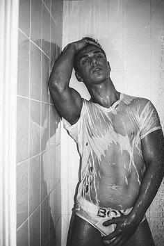 Nick Boisseua male fitness model