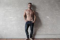 Nicolas male fitness model