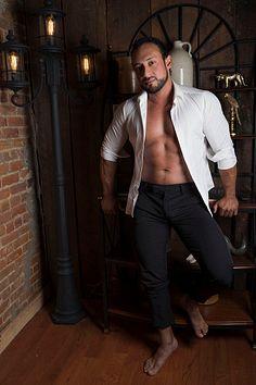 Rafael Ramírez male fitness model