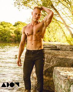 Rob Vakaljan male fitness model