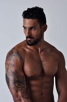 Roi Kanner male fitness model