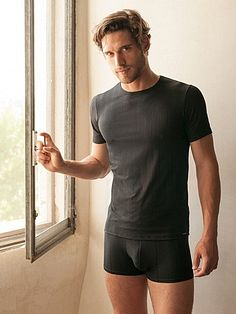 Simone Brendariol male fitness model
