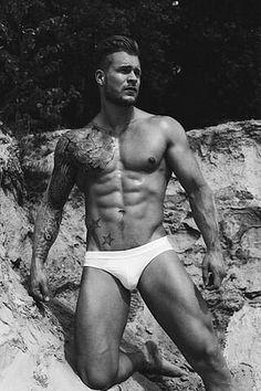 Steven Dijkhuis male fitness model
