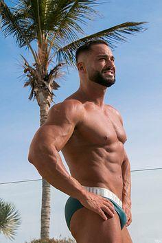Suso Batista male fitness model