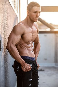 Tommy Martin male fitness model