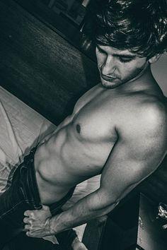 Vichi Russo male fitness model